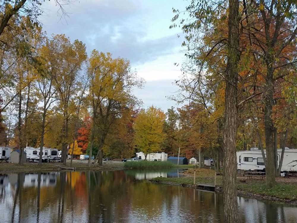 Trailers camping on the water at CAMP LORD WILLING RV PARK  CAMPGROUND