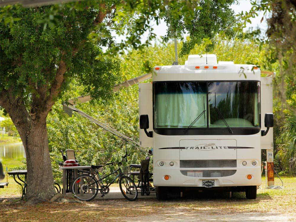 RV camping at HARBOR LAKES RV RESORT