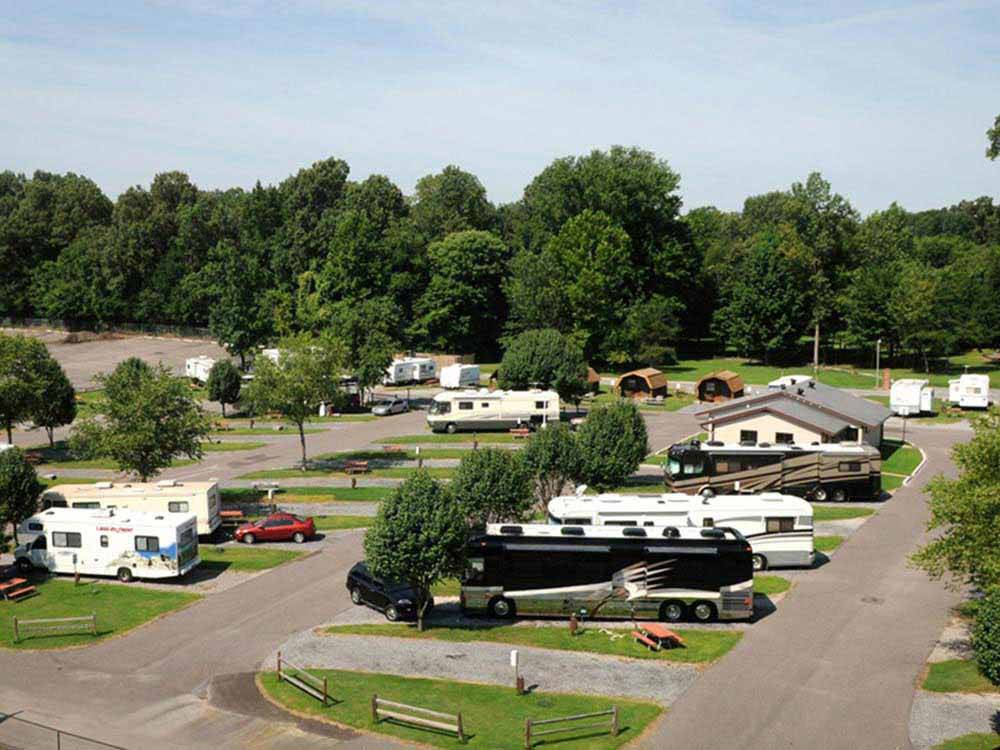 Log Cabins with decks at MEMPHIS GRACELAND RV PARK  CAMPGROUND
