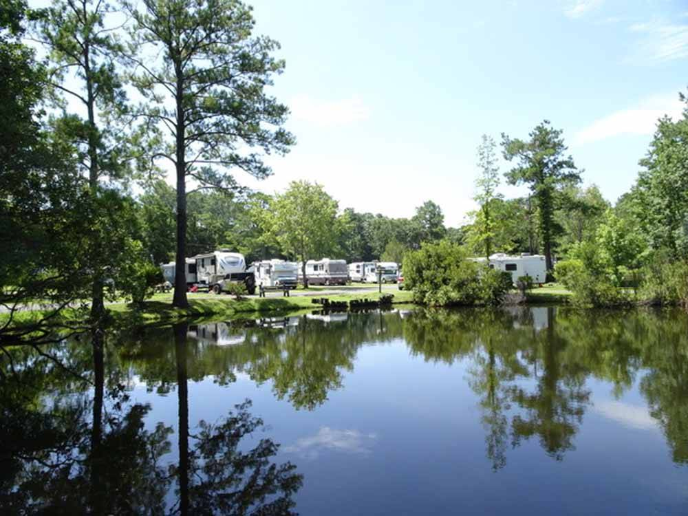 LAKE AIRE RV PARK CAMPGROUND At HOLLYWOOD SC
