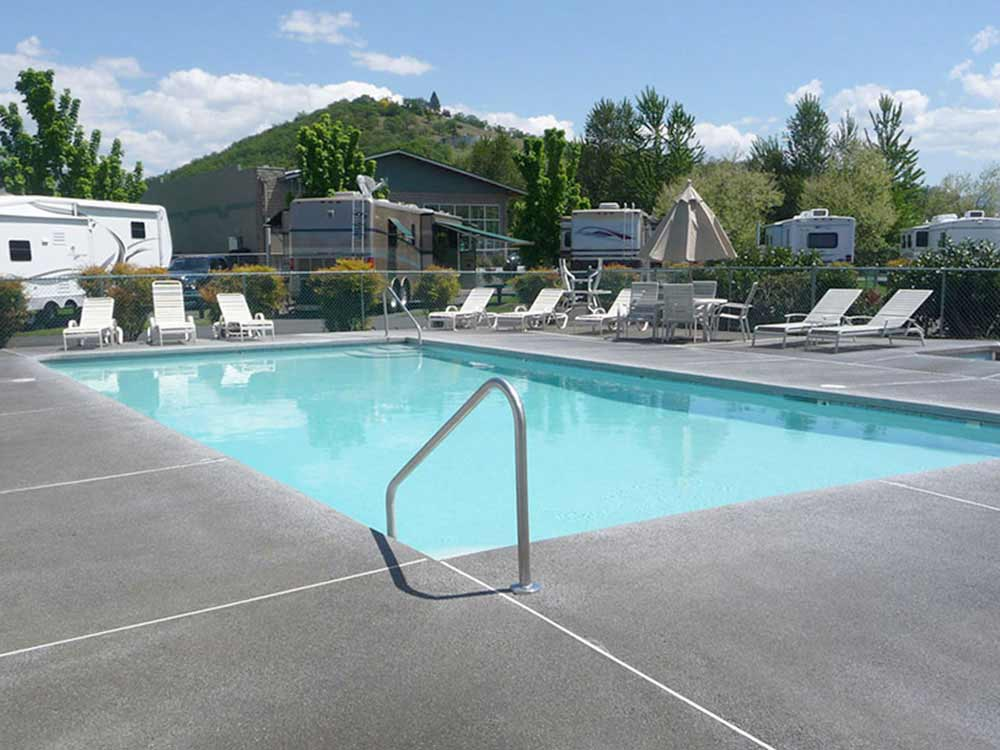 Swimming pool at campgrounds at PEAR TREE RV PARK RESORT