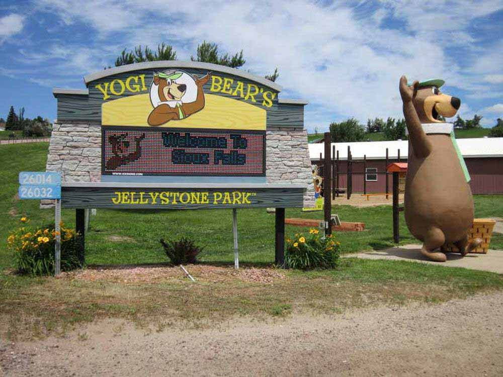 Yogi sign at park entrance at SIOUX FALLS YOGI BEAR