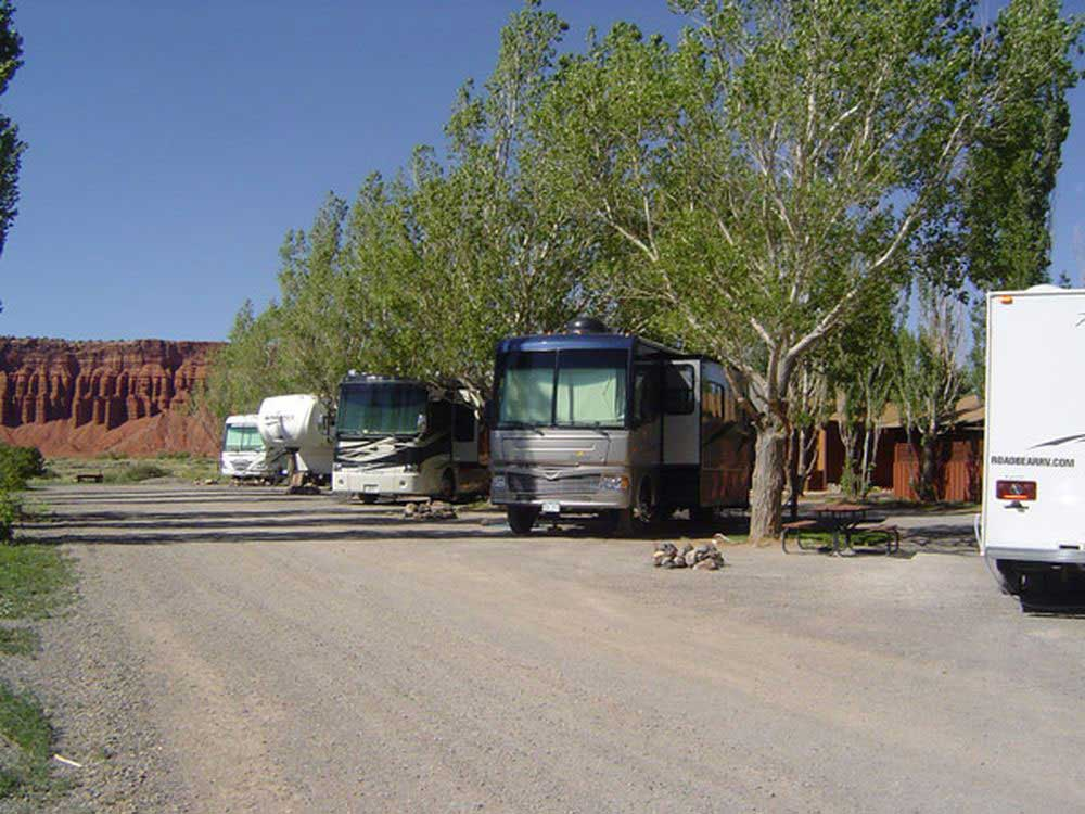 RVs and trailers at campground at THOUSAND LAKES RV PARK  CAMPGROUND