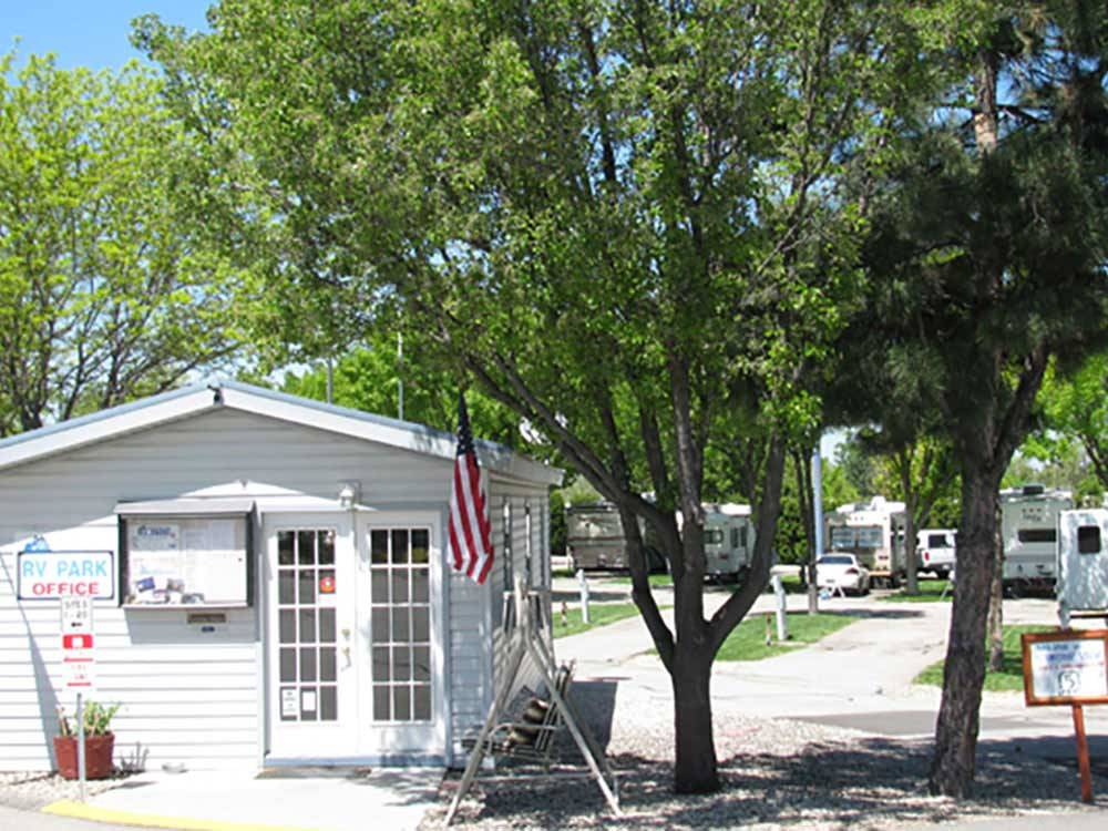 Lodge office at MOUNTAIN VIEW RV PARK
