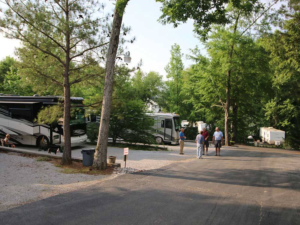 Campground at Barnes Crossing - Tupelo campgrounds   Good ...
