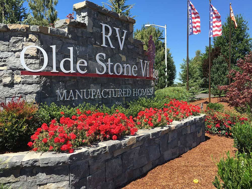Sign at entrance to RV park at OLDE STONE VILLAGE RV PARK