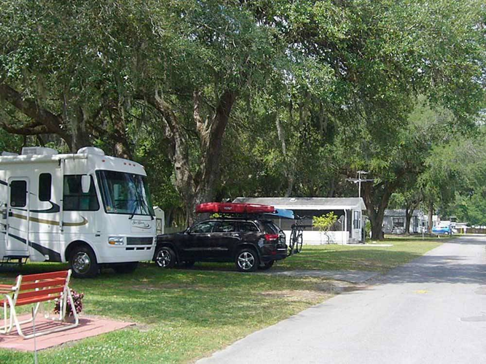 HAPPY DAYS RV PARK At ZEPHYRHILLS FL