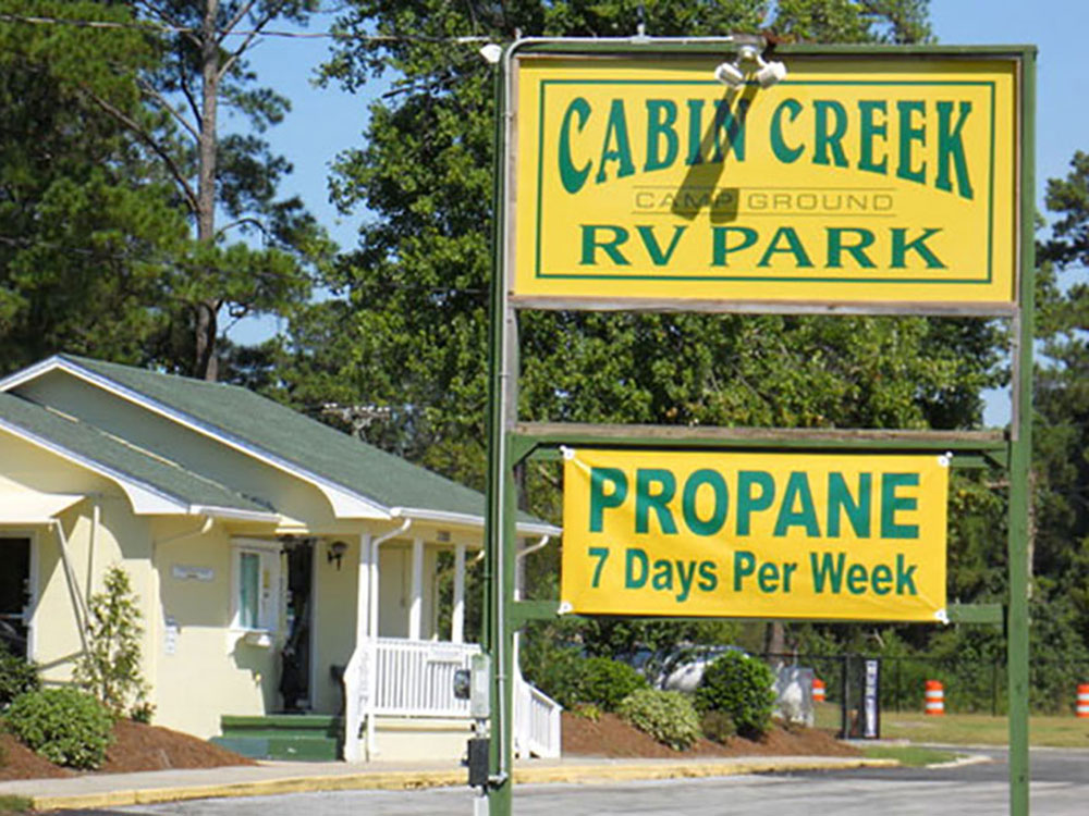 Sign leading into RV park at CABIN CREEK CAMPGROUND AND MOBILE HOME PARK