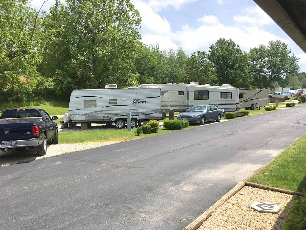A row of sites with RVs at PARKERS RV PARK