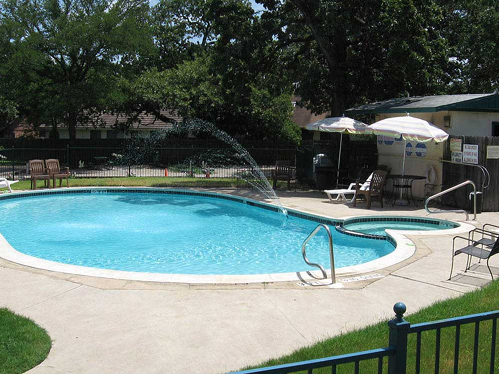 Swimming pool at campgrounds at DESTINY RV RESORTS-DALLAS