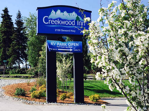 Creekwood Inn Motel & RV Park