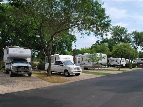 TRAVELERS WORLD RV RESORT at SAN ANTONIO, TX