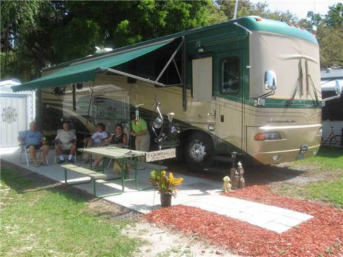RAINBOW VILLAGE RV RESORT at ZEPHYRHILLS, FL