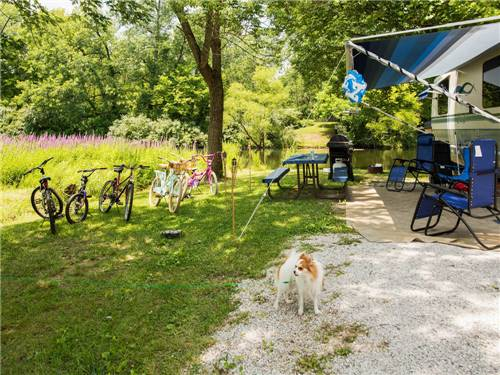 HORSESHOE LAKES RV CAMPGROUND at CLINTON, IN