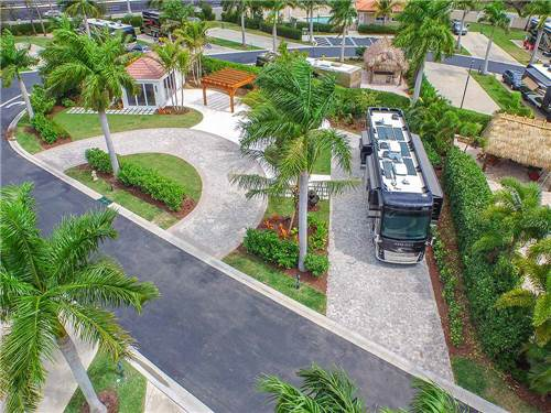 NAPLES MOTORCOACH RESORT & BOAT CLUB at NAPLES, FL