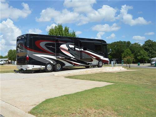 NORTHLAKE VILLAGE RV PARK at ROANOKE, TX