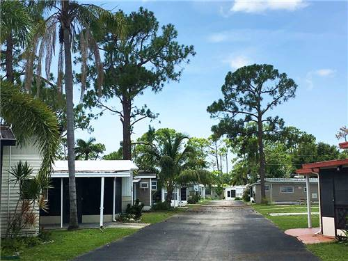 SUNSEEKERS RV PARK at FORT MYERS, FL
