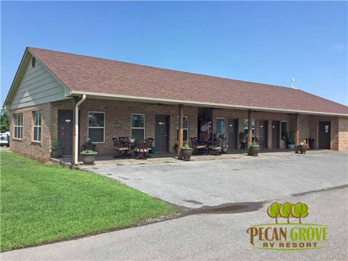 PECAN GROVE RV RESORT at CHICKASHA, OK