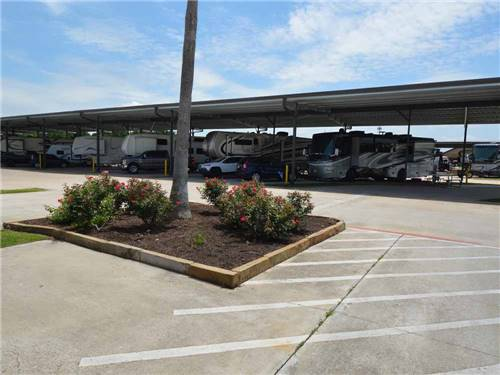 KATY LAKE RV RESORT at KATY, TX