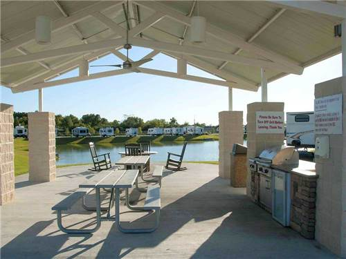 FALLBROOK RV RESORT at HOUSTON, TX