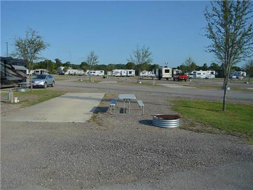 TYLER OAKS RV RESORT at TYLER, TX