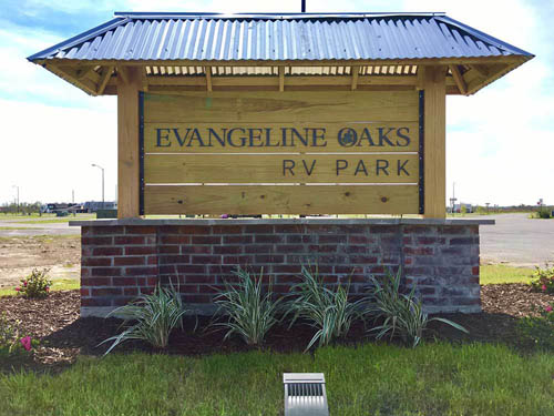 Evangeline Oaks RV Park - Iowa