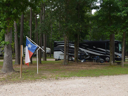 ROCK''N E RV PARK at COLDSPRING, TX