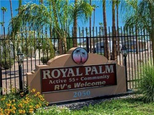 ROYAL PALM RV RESORT/MHC at PHOENIX, AZ