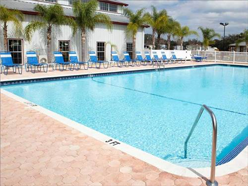 BLUEBERRY HILL RV RESORT at BUSHNELL, FL