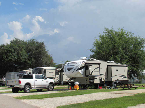 ISLAND RETREAT RV PARK at GULF SHORES, AL