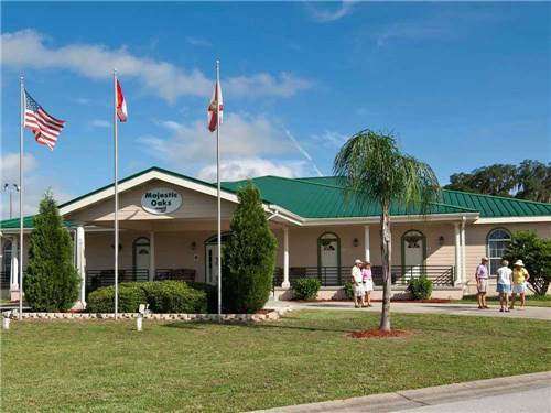 MAJESTIC OAKS CAREFREE RV RESORT at ZEPHYRHILLS, FL