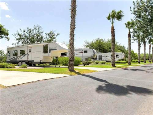 BENTSEN PALM VILLAGE RV RESORT at MISSION, TX