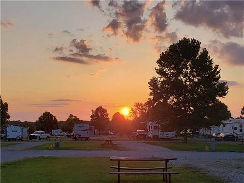 RIVER TOWN CAMPGROUND at VICKSBURG, MS