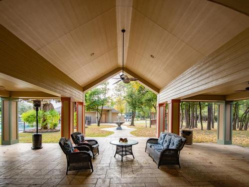 RAYFORD CROSSING RV RESORT at THE WOODLANDS, TX