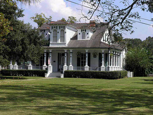 Poche Plantation RV Park and B & B Cottages