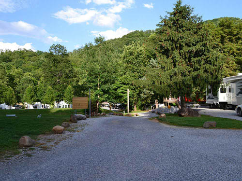 RIVERPARK CAMPGROUND at JONESBOROUGH, TN