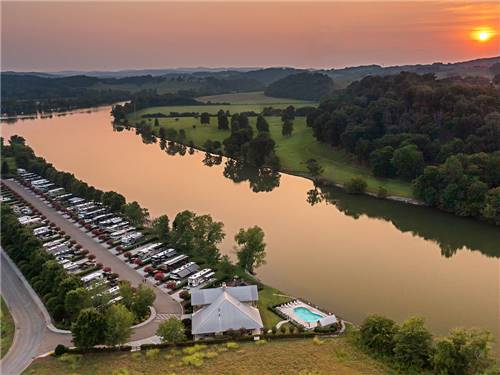 TWO RIVERS LANDING RV RESORT at SEVIERVILLE, TN