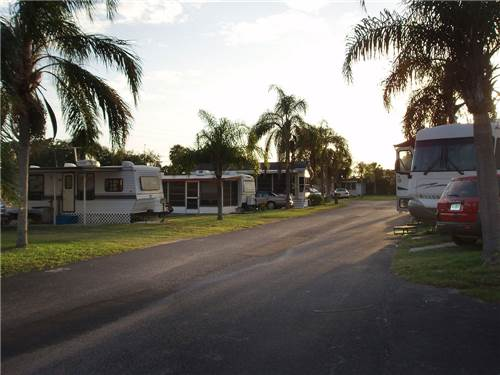 ELLENTON GARDENS RV RESORT at ELLENTON, FL