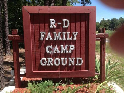 R & D FAMILY CAMPGROUND at MILFORD, VA