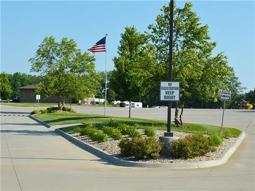 DEER CREEK VALLEY RV PARK LLC at TOPEKA, KS
