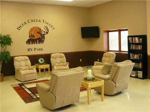 DEER CREEK VALLEY RV PARK at TOPEKA, KS