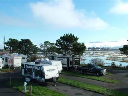 SHORELINE RV PARK at EUREKA, CA