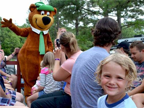 YOGI BEARS JELLYSTONE PARK AT DELAWARE BEACH at LINCOLN, DE