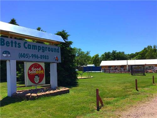 FAMIL-E-FUN CAMPGROUND & RV PARK at MITCHELL, SD