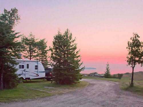 CASTLE ROCK LAKEFRONT CAMPGROUND at ST IGNACE, MI