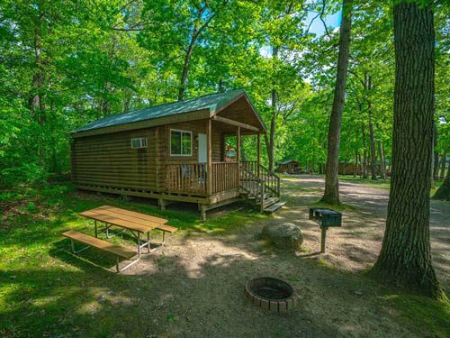 FOX HILL RV PARK & CAMPGROUND at BARABOO, WI