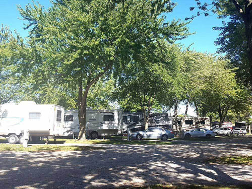 DOUBLE J CAMPGROUND & RV PARK at SPRINGFIELD, IL
