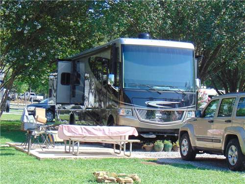 RACCOON MOUNTAIN CAMPGROUND AND CAVERNS at CHATTANOOGA, TN