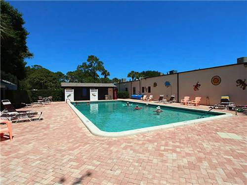 ROAD RUNNER TRAVEL RESORT at FORT PIERCE, FL