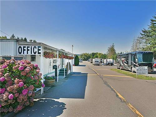MAJESTIC MOBILE MANOR RV PARK (MHP) at PUYALLUP, WA